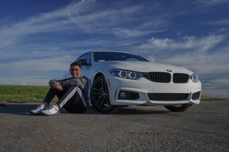 Arjun_with_his_car_